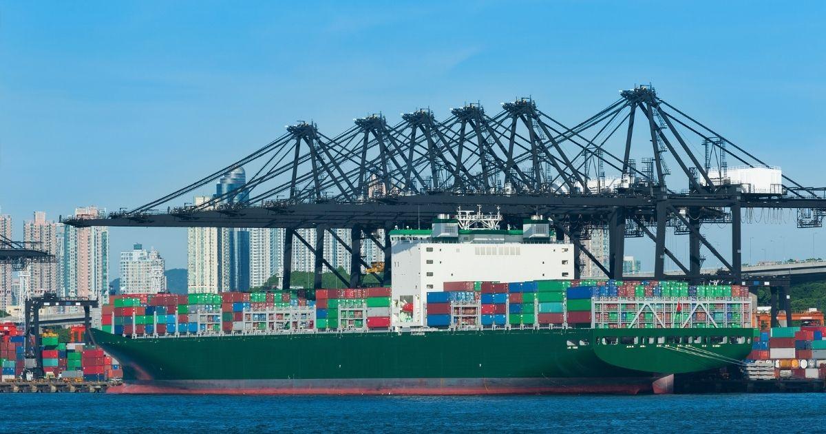Container: si aggrava la congestione nei porti del sud-est della Cina con 50 navi alla fonda