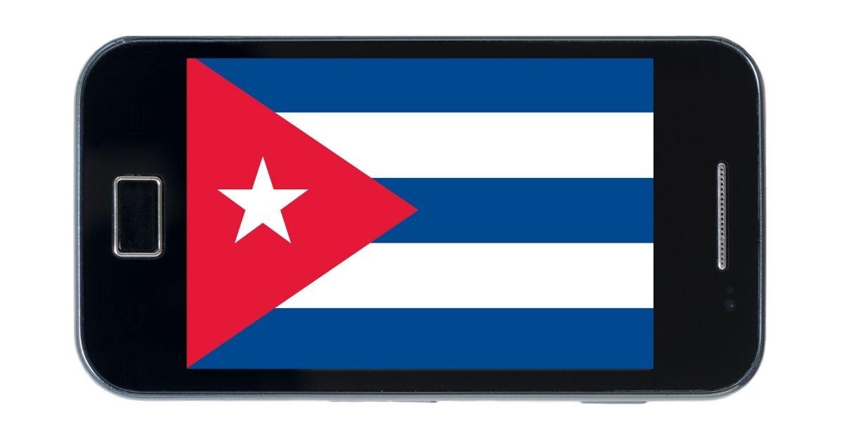 Cuba lancia smartphone 'socialista', fatto in casa